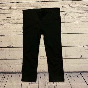 GAP fit 3/4 black leggings